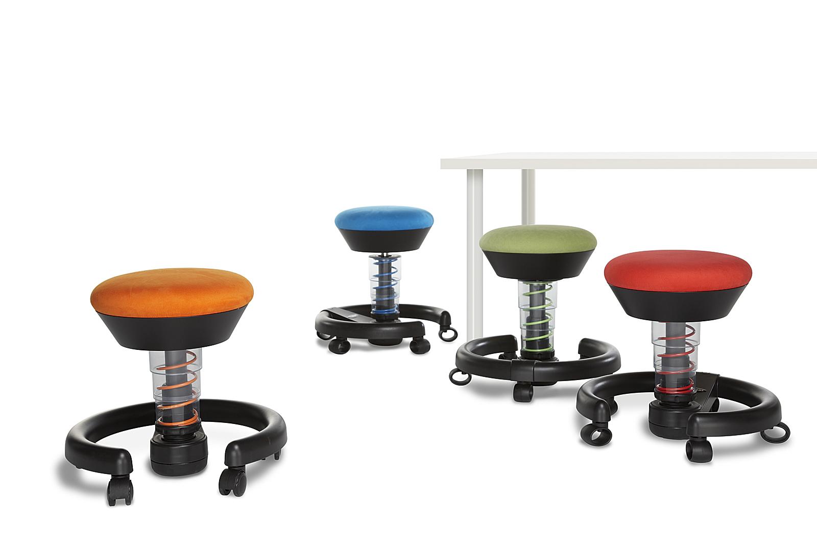 sitzend in bewegung bleiben ein kinderstuhl macht 39 s m glich. Black Bedroom Furniture Sets. Home Design Ideas